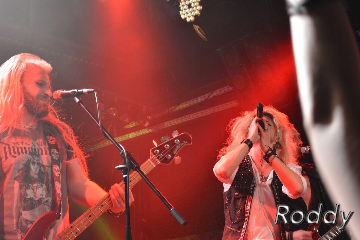 Kissin-Dynamite-c-Roddy-McCorley-17