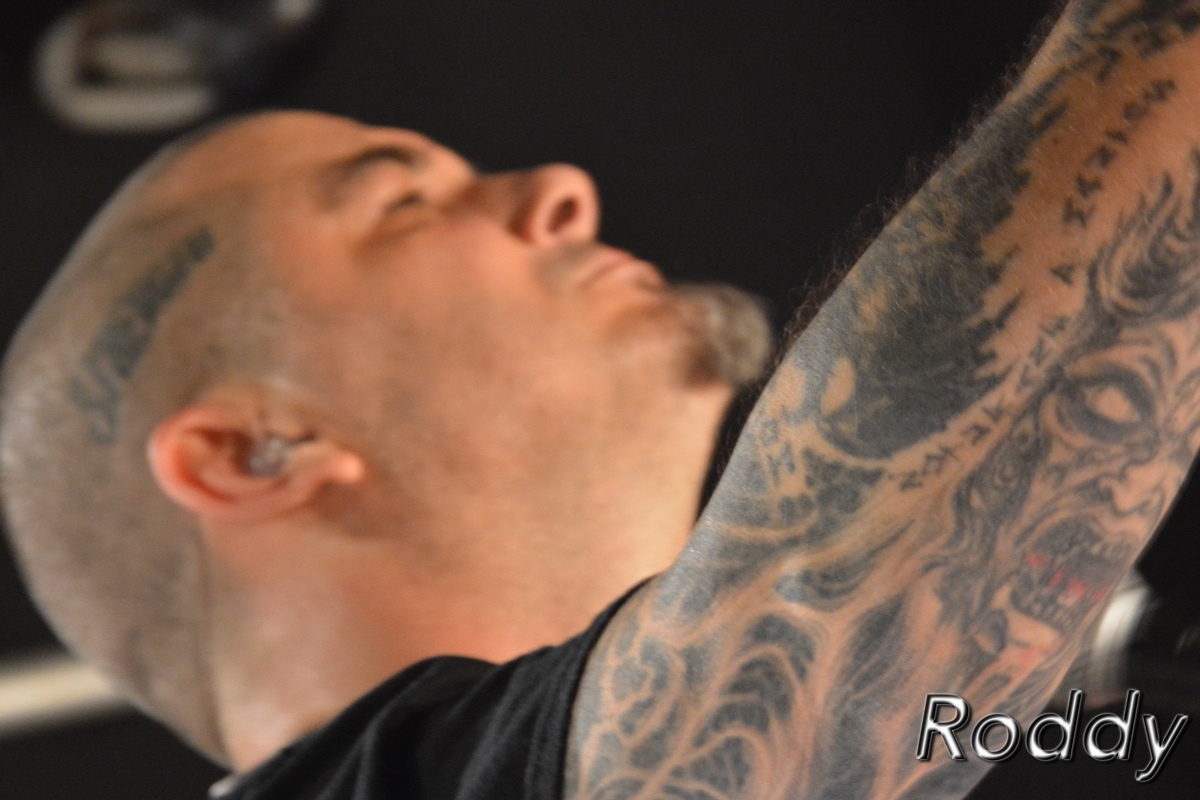 Philip-H-Anselmo-The-Illegals-c-Roddy-McCorley-28